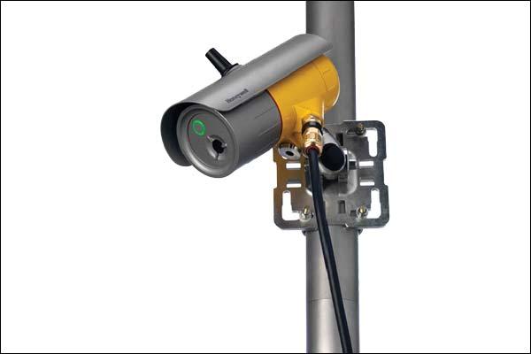 Gas detector listens for leaks