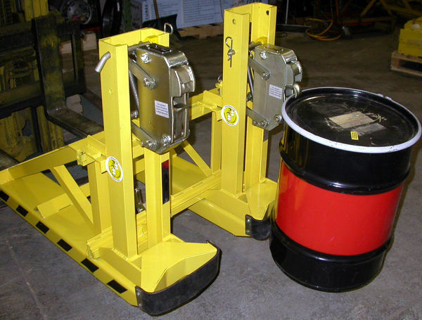 Forklift attachment for drums